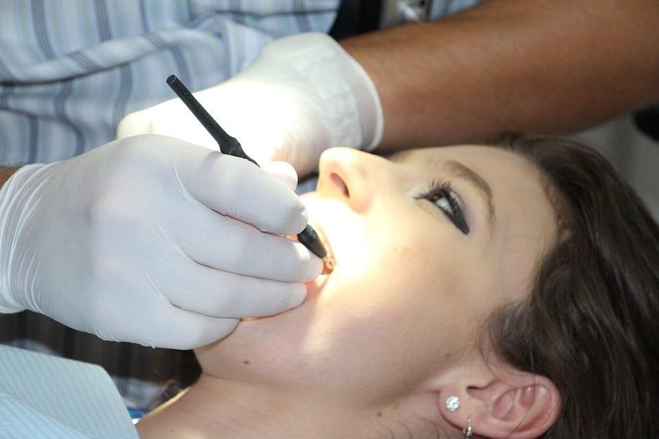 How Do Dentists Seal Teeth